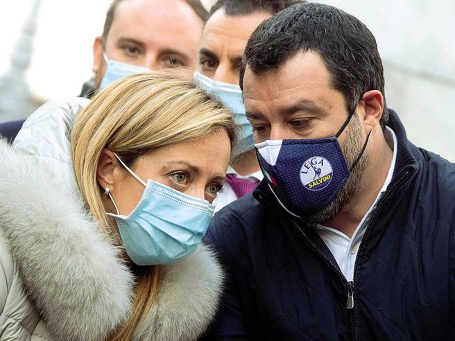 Copasir, la Lega non cede sulla presidenza. Tensione in Parlamento: Fratelli d'Italia minaccia l'Aventino