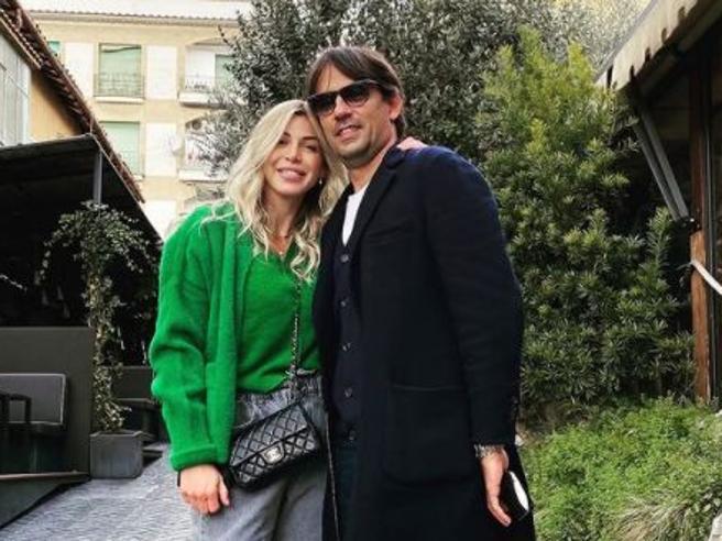 Simone Inzaghi positivo al Covid. La Lazio non dice il nome, lo svela la moglie: «A casa tutti contagiati»