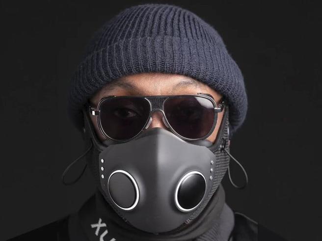 Xupermask, la mascherina anti Covid nata a Hollywood con luci led, auricolari e ventole