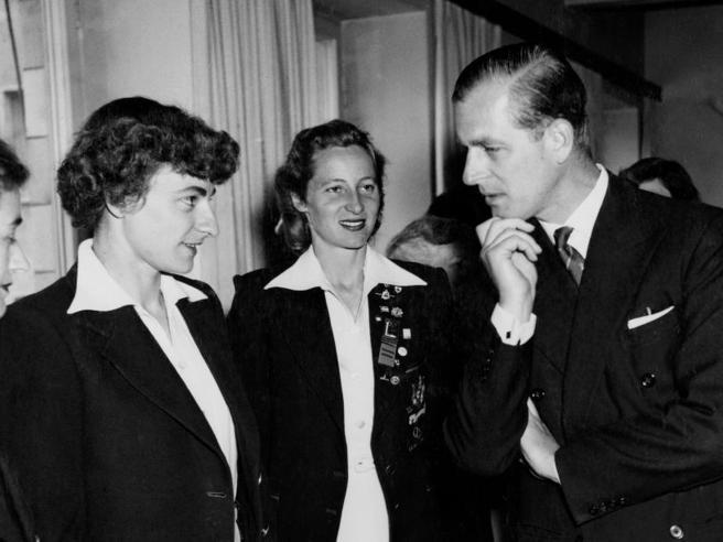 Il principe Filippo e le «altre» donne: i presunti tradimenti, gli scandali, la fama da playboy
