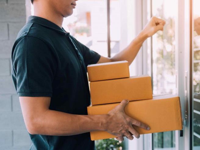 Boom dell'e-commerce e il packaging sostenibile è di carta e di cartone