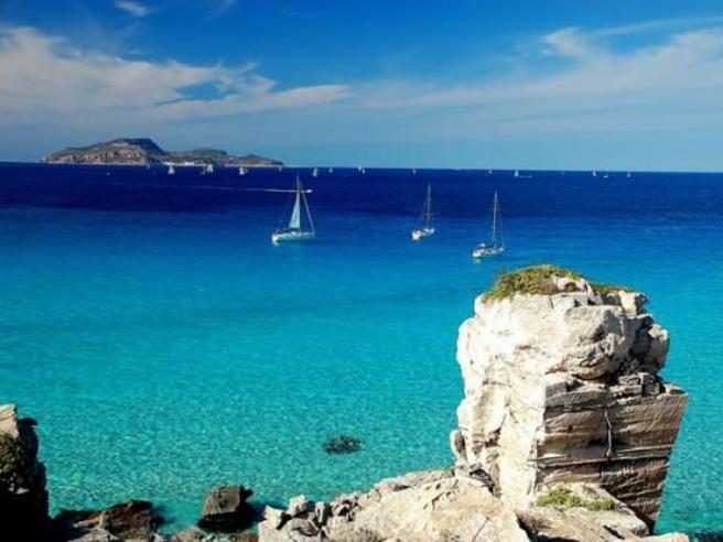 Isole Covid free:  parte il piano di  Capri, Eolie ed ElbaLa rivolta delle altre mete Bonaccini: no a privilegiati