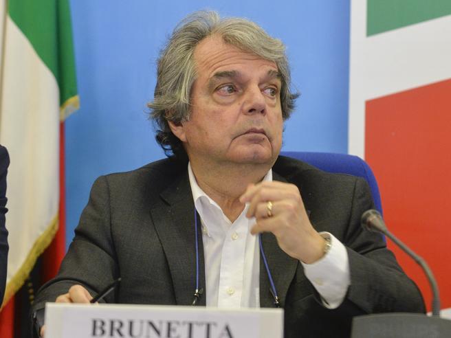 Brunetta:  «150 mila assunzioni all'anno e smart working  solo con  più efficienza»Concorsi pubblici, 125 mila posti disponibili