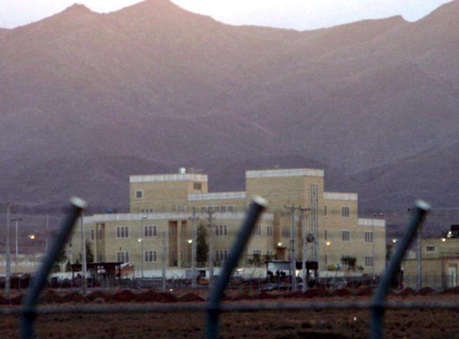 Natanz, sabotaggio alla centrale: l'Iran accusa Israele di «terrorismo nucleare»