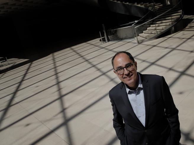 Battaglia sul Louvre, in bilico il direttore: per i critici è troppo pop