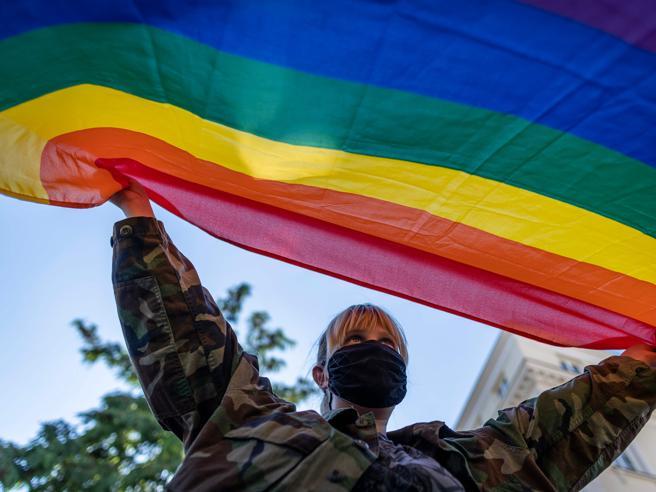 Polonia, il pentimento della città anti-gay: «Siamo diventati gli zimbelli d'Europa»