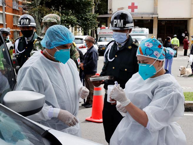 Germania, quasi 30 mila casi in un giorno Vaccini over 80, Toscana e Sardegna ultime