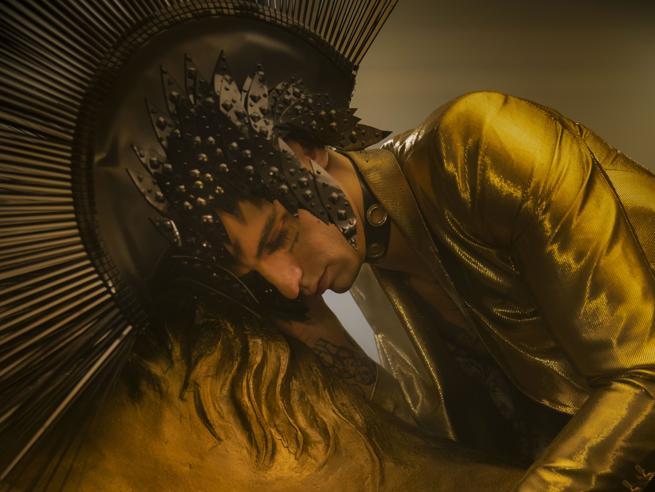 Achille Lauro e il nuovo album: «Non imito Renato Zero. Vorrei sparire come Mina e lasciare solo la musica»