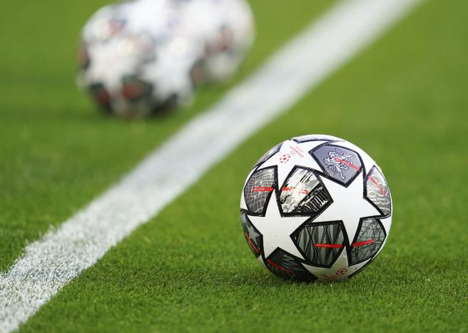 Superlega, Uefa e Lega dicono no, Juventus Inter e Milan si staccano dal calcio come è adesso?