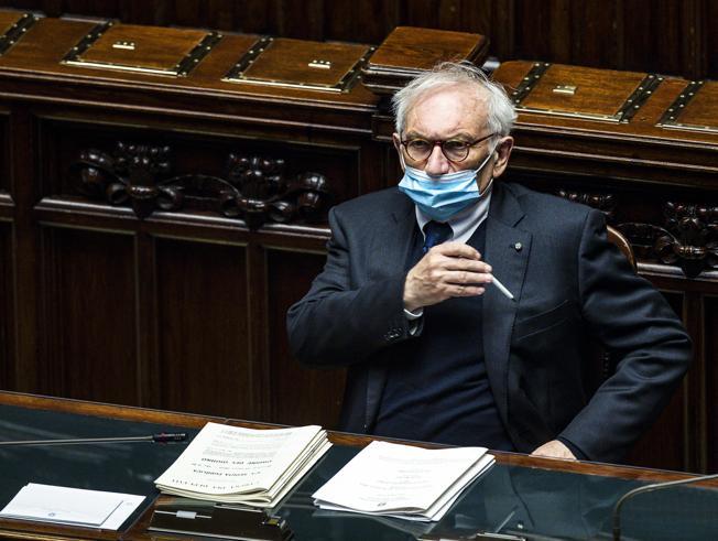 Scuola, sanatoria o concorso? Bianchi chiede al Parlamento di «trovare una sintesi»