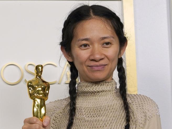 Oscar 2021,  Chloé Zhao doppietta storica con «Nomadland». Delusione per Laura Pausini, niente statuetta
