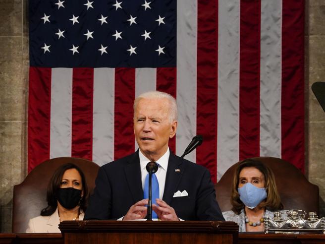 Biden all'America: «Basta divisioni, dobbiamo battere la Cina per la supremazia nel XXI secolo»