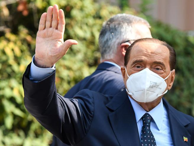 Salute Silvio Berlusconi: ritorno a casa dopo 24 giorni d'ospedale, ecco come sta