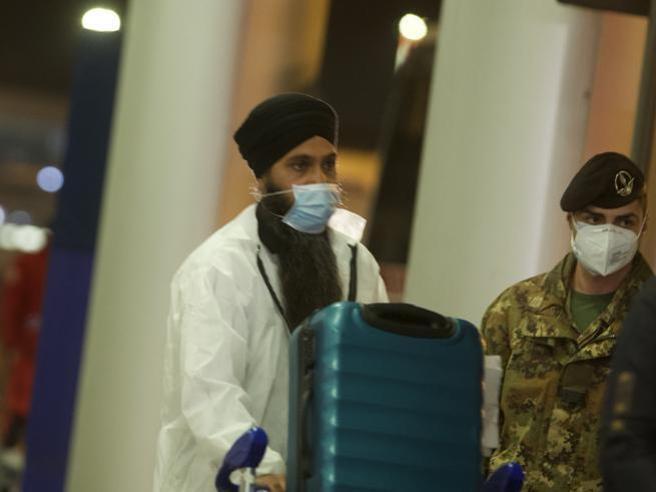 Variante indiana, misure di sicurezza negli aeroporti e tracciamento: il confronto Roma-Milano