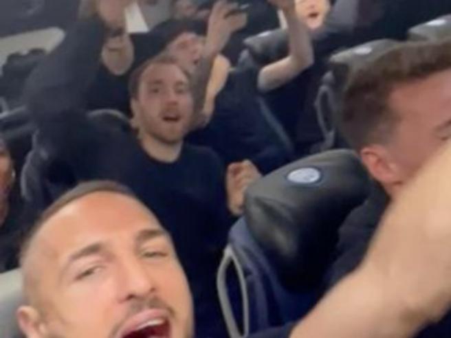 Scudetto all'Inter, sei modi per festeggiare: dal balcone al buon libro