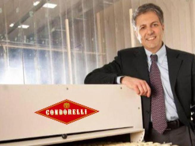Condorelli, re dei torroncini, e il «no» al pizzo: 40 arrestiQuel messaggio dal clan: «Ti facciamo saltare in aria»