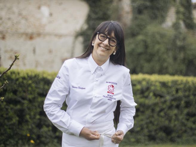 Premio Michelin chef donna 2021, vince Isa Mazzocchi: «Ragazze non arrendetevi mai»