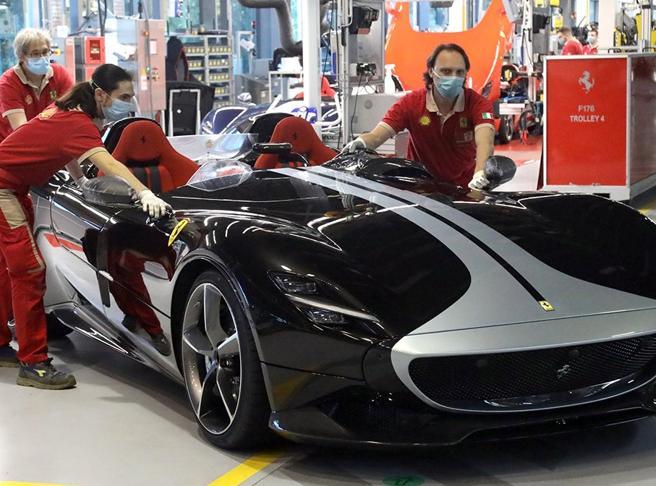 Ferrari «miglior datore di lavoro» per gli italiani: la classifica Randstad