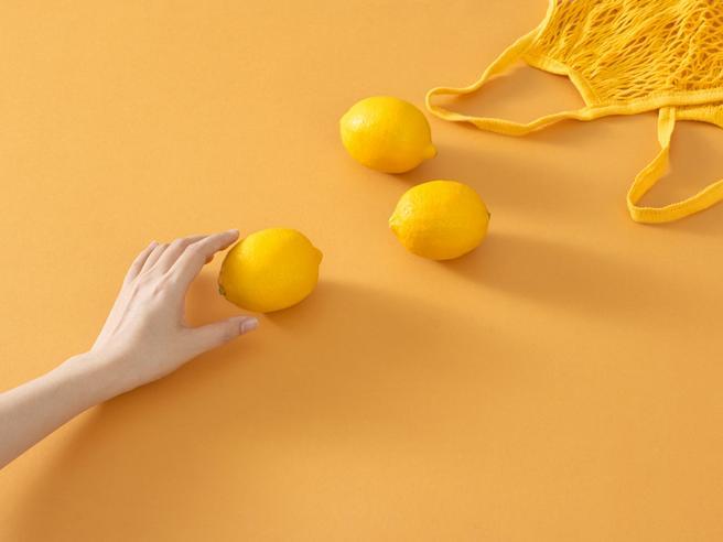 Perché non bisogna mai buttare le bucce del limone