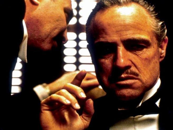 «Il padrino» in tv: Al Pacino quasi licenziato, gli scherzi di Brando sul set e gli altri 15 segreti del film
