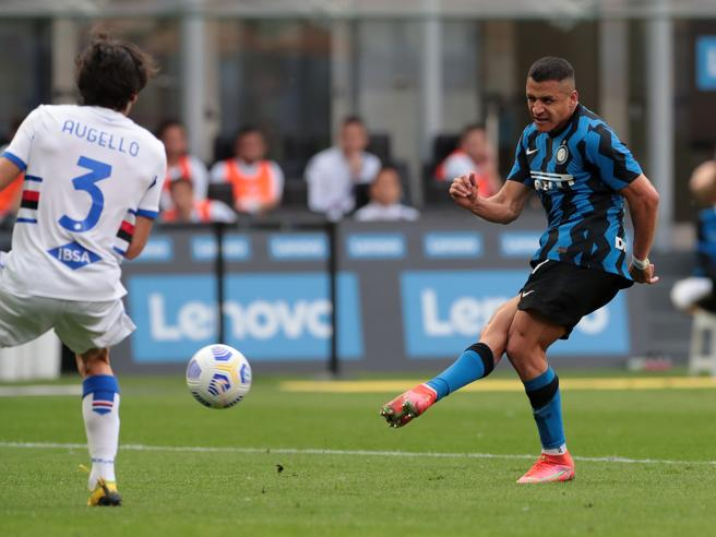 Inter-Sampdoria 5-1: i nerazzurri festeggiano lo scudetto a San Siro