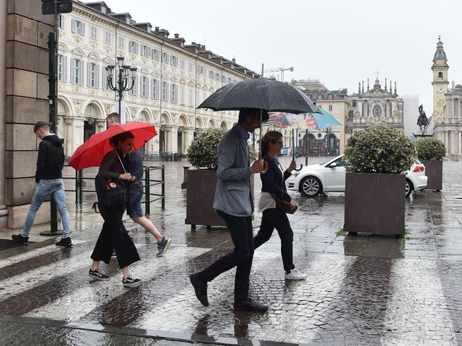 Meteo, le previsioni di lunedì 10 maggio: forte peggioramento con temporali, nubifragi e grandine
