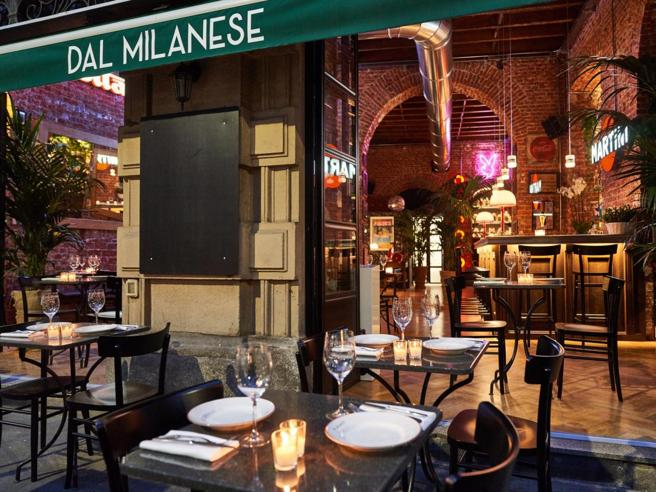 Dehors a Milano: i nuovi giardini e cortili segreti dove pranzare, cenare o fare l'aperitivo