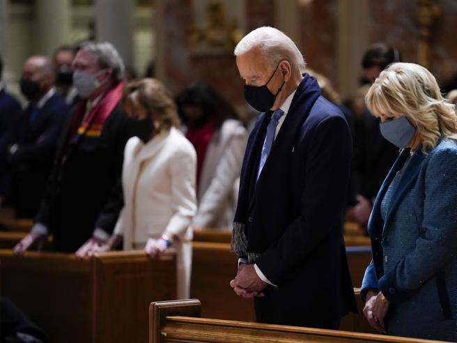 Negare la comunione a Biden? Il Vaticano frena i vescovi Usa