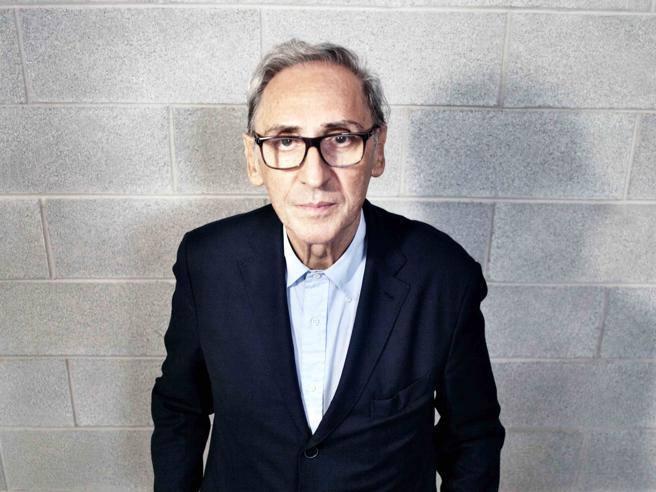 È morto Franco Battiato, il cantautore aveva 76 anni