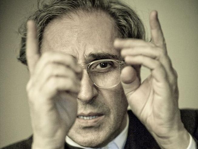 Franco Battiato: la malattia, la musica e l'eterno enigma di un maestro senza confini