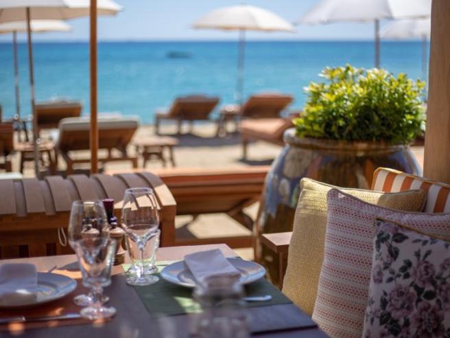 Al ristorante (e a casa) in sei al tavolo o due famiglie, al chiuso. Niente limiti per i pranzi all'aperto: le regole in zona bianca