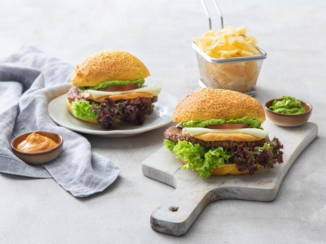 «Wowburger», il panino veg (in salsa d'autore) da gustare in autostrada