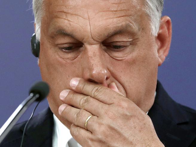 La democrazia di Orbán non piace più
