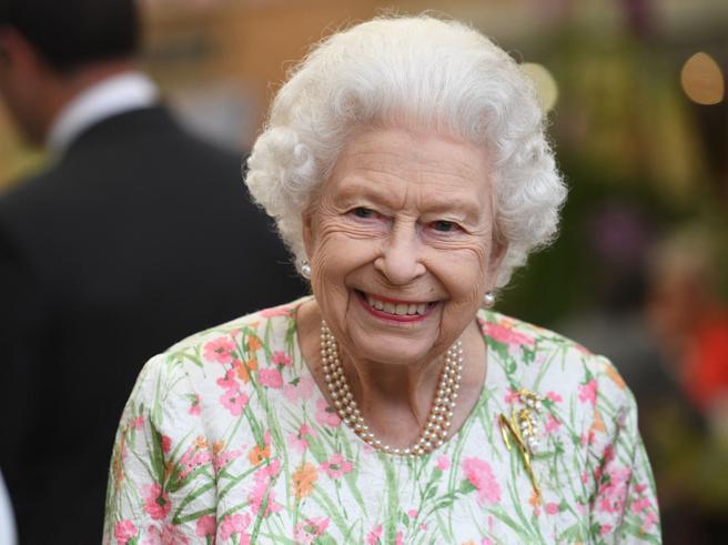 La Regina Elisabetta al G7 ha fatto ridere i leader