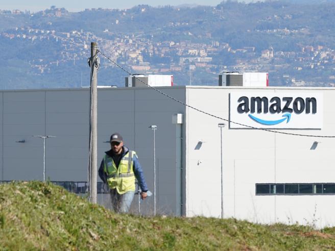 «In ufficio almeno 3 giorni su 5». Ora anche Amazon richiama i dipendenti