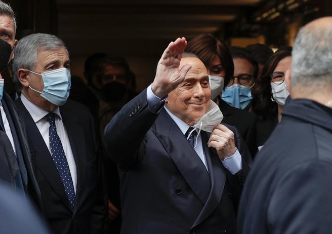 Forza Italia, riunione con Berlusconi: forte spinta verso il partito unico di centrodestra