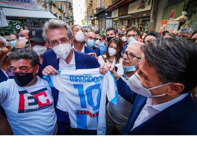 A Beppe Grillo meno poteri, è scontro con Conte sul nuovo statuto M5S