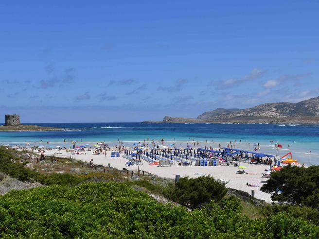 Per andare in Sardegna il tampone non serve più, dal 16 giugno
