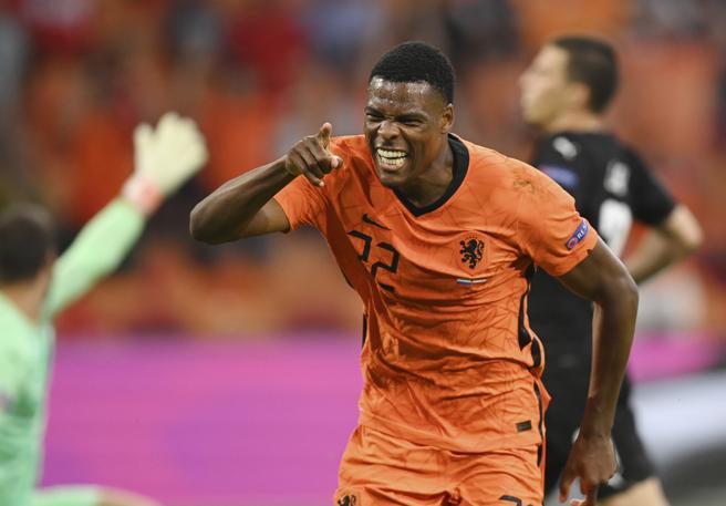 Olanda-Austria 2-0: orange in controllo per tutta la gara, ottavi garantiti