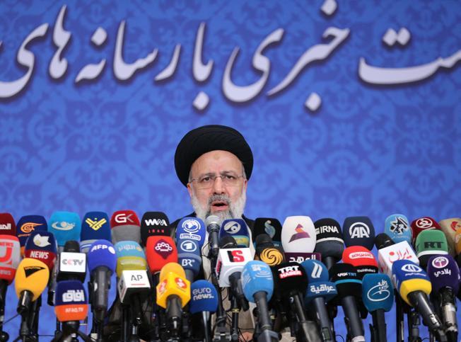 Iran, Raisi sfida  Biden: «Non lo vedrò, tolga le sanzioni»