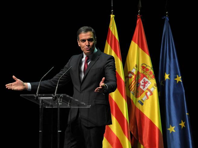 La Spagna perdona gli indipendentisti catalani: torneranno tutti in libertà