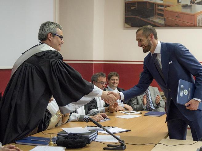 Italia agli Europei, Nazionale di laureati e universitari: da Chiellini a Pessina, da Meret a Raspadori
