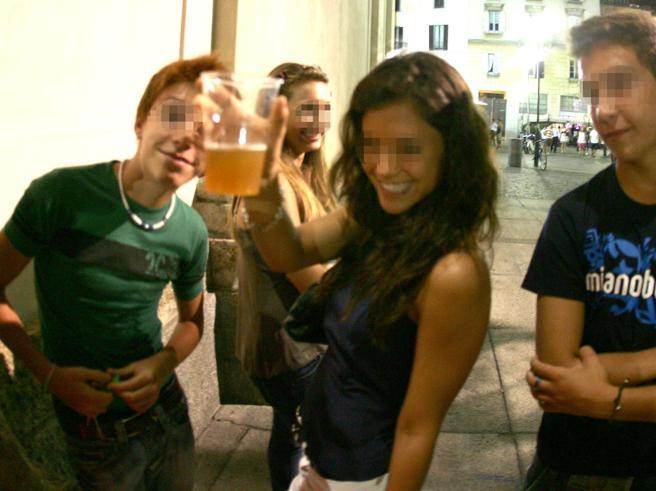 «Bevevo dai 15 anni,l'alcol è una drogama nessuno ci fa caso»