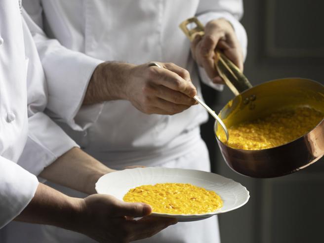 Risotto alla milanese: segreti, ricette e indirizzi gourmet nel nuovo libro di Aldo Fiordelli