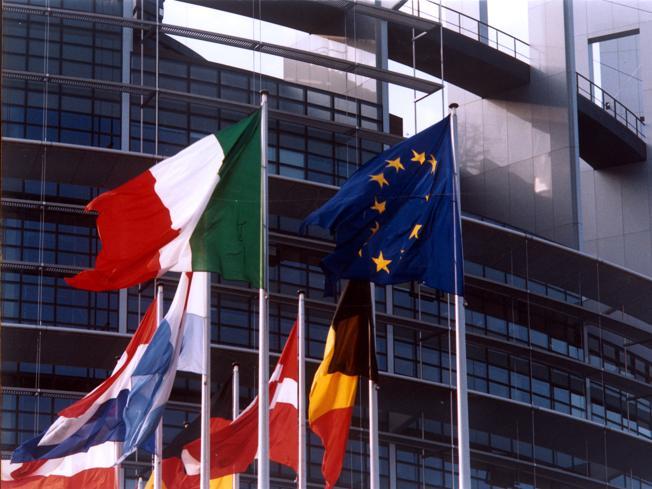 Tredici Paesi Ue condannano la legge anti Lgbt dell'Ungheria (ma l'Italia non firma)