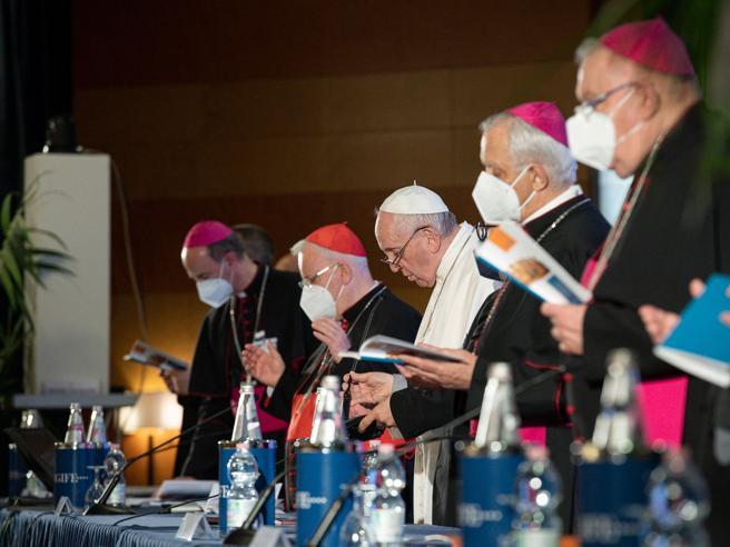Vaticano contro il ddl Zan, cosa c'è dietro lo strappo e cosa c'entra il cardinale Bassetti
