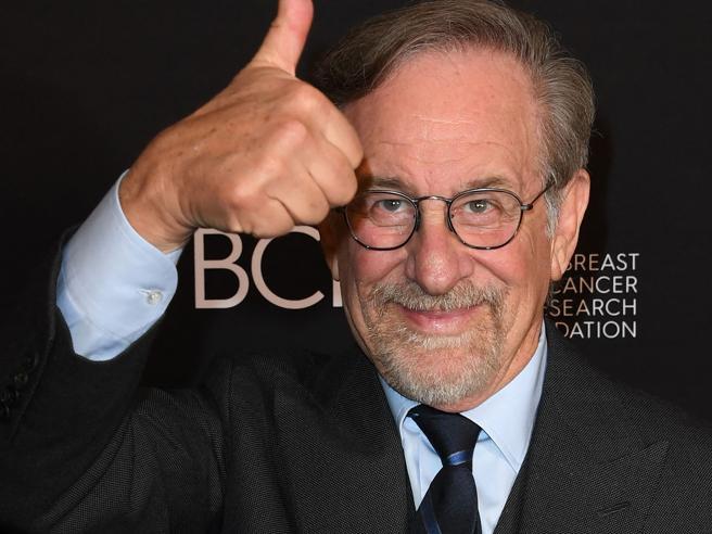 Netflix: accordo con Spielberg per diversi film all'anno