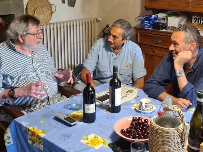 Guccini-Sarri con Bartoletti: a cena parlando di Ronaldo, L'Avvelenata, lo scudetto, babbo e zio Amerigo