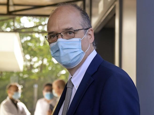 Magrini (Aifa): «L'Italia donerà 70 milioni di dosi, solo così fermeremo la pandemia»