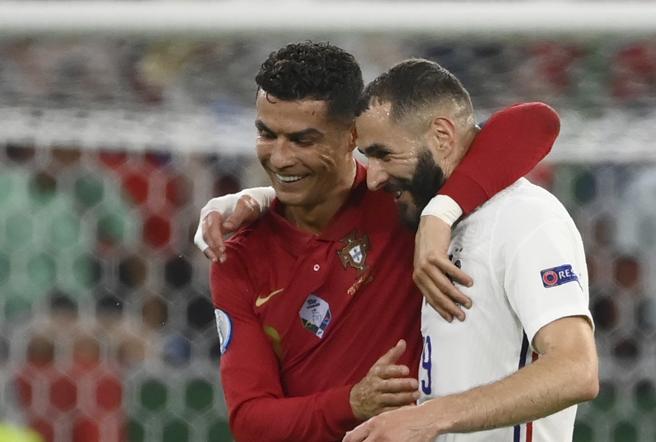 Portogallo-Francia 2-2: doppiette di CR7 e BenzemaLa Germania recupera due volte e strappa gli ottavi